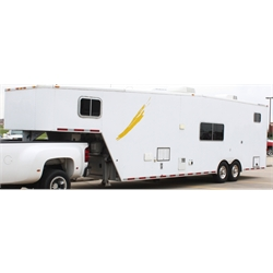 2005 Featherlite Aluminum Fifth Wheel Trailer